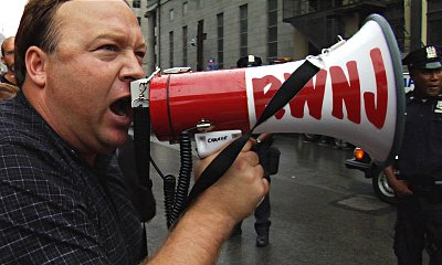 alex_jones_bullhorn