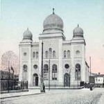 Soviets Razed Churches, Spared Synagogues