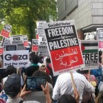 Protesters march along Kensington High Street in support of Palestinians. Click to enlarge