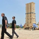 Israeli Defense Minister Ya'alon at an Arrow-2 test. Click to enlarge