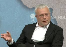 Russian oligarch Alexander Lebedev, owner of the Independent and the London Evening Standard, chairs a discussion at Chatham House. Click to enlarge