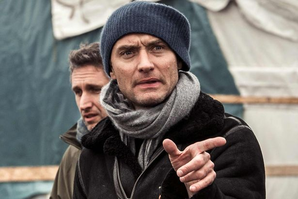 Jude Law visits Calais migrant camp