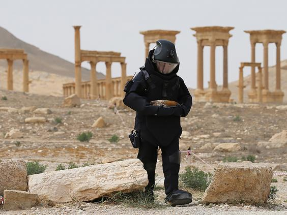 Russian sapper clearing mines in Palmyra
