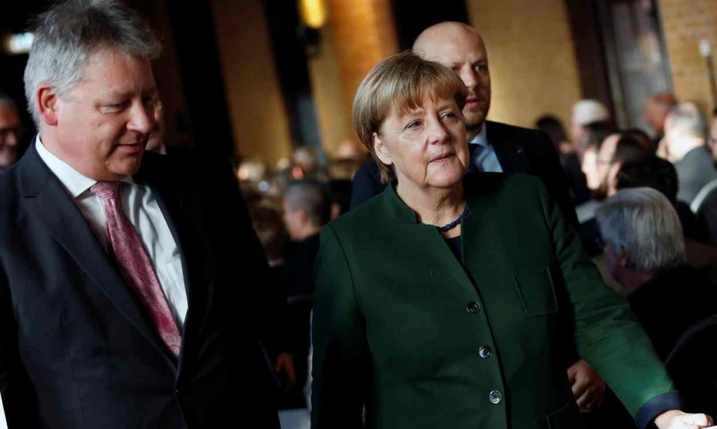 Both Bruno Kahl and Angela Merkel have warned of cyber-attacks on the german 2017 elections. Click to enlarge