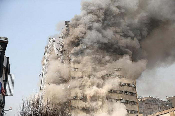 Smoke rises from a blazing high-rise building in Tehran, Iran January 19, 2017. Tasnim News Agency/Handout via REUTERS. Click to enlarge