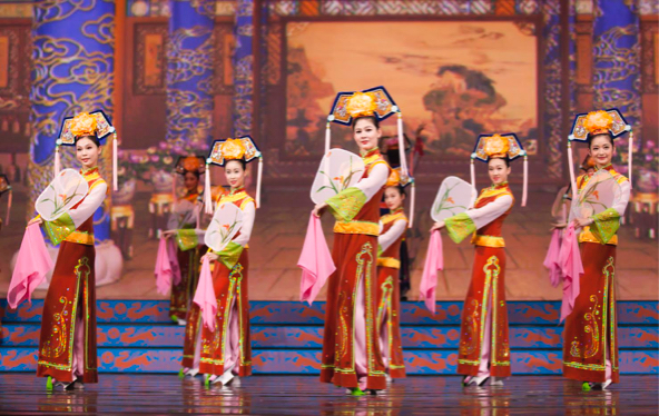 Shen Yun Uses Animated Backdrop For Dancers