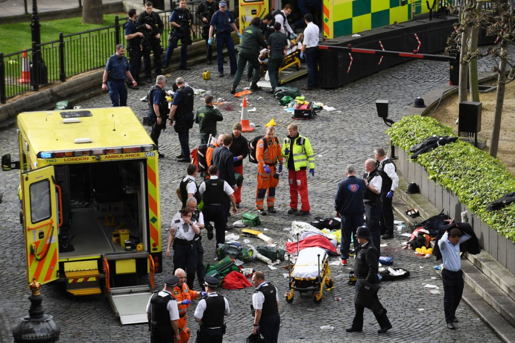 "Scene outside parliament in London after the ""terror attack"". Click to enlarge"