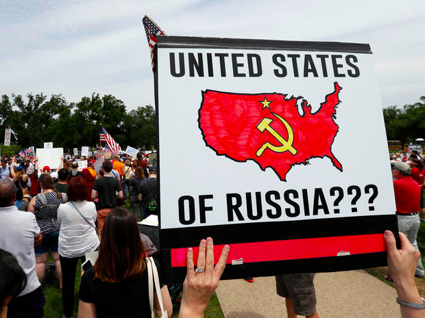 Anti Trump, anti Russia demonstration in the U,S. Click to enlarge