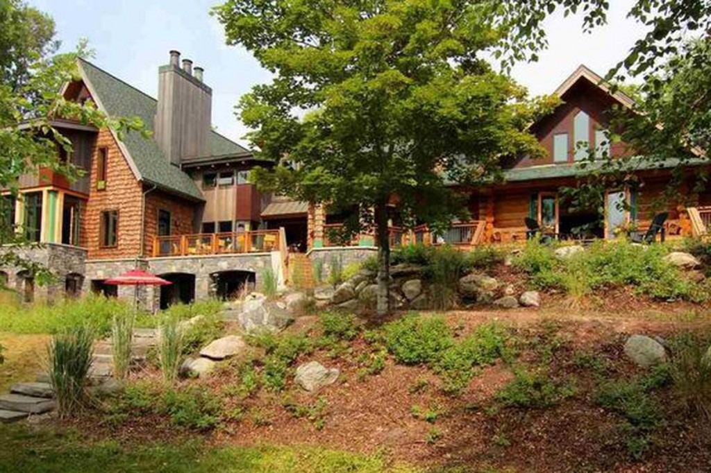 Michael Moore's lakeside house in Michigan worth an estimated 5.2 million dollars. Click to enlarge