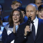 Putin announces he will run for president again in 2018