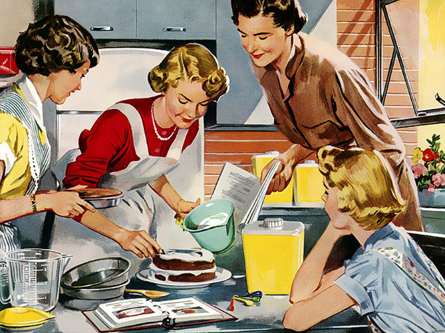 women-in-kitchen-640x480
