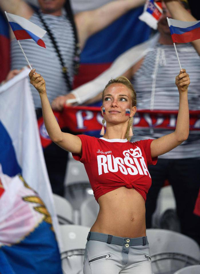 russian-football-fan-girls-5