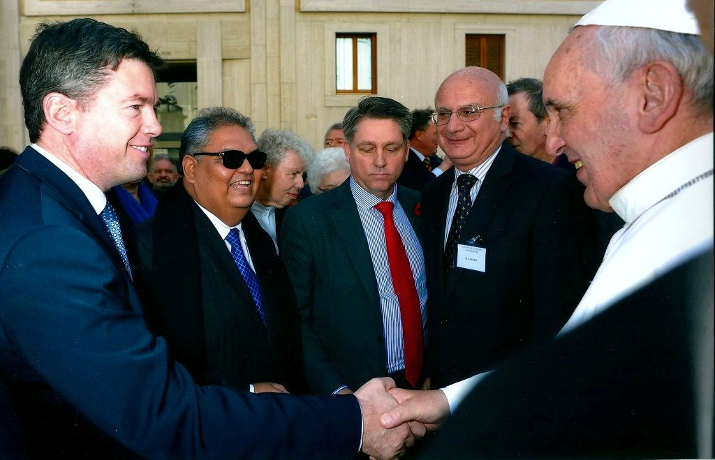 Nick Grono greets Pope Francis in 2013. Photo   Freedom Fund