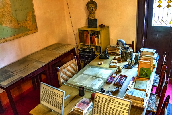 Trotsky's study in Mexico City, 2017. Click to enlarge