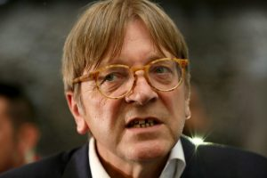 European Parliament Brexit chief Guy Verhofstadt meets with farmers at a farm which sits on the border between Armagh and Monaghan, between Northern Ireland and the Irish Republic on September 20, 2017. / AFP PHOTO / Paul FAITH        (Photo credit should read PAUL FAITH/AFP/Getty Images)