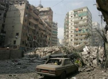Destroyed buildings that were targeted by Israeli air strikes in southern Beirut , July 20,2006.