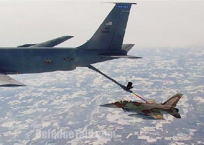 IAF F16 refuelling in flight
