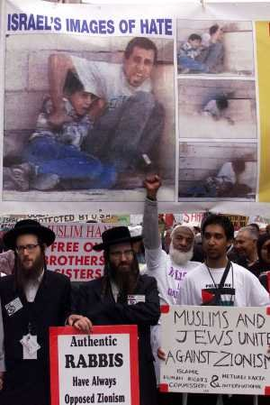 Muslims and Jews march in protest at Israel in Durban 2001