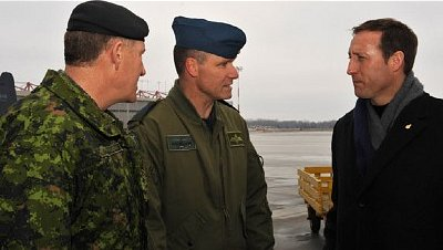 Willams with Canadian Defence minister and Chief of Defence Staff