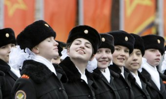 Female cadets, Red Square 2008: grandmothers of the empire?